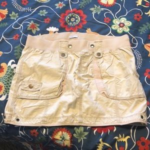 Old Navy khaki skirt